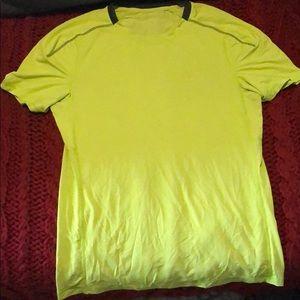 EUC Men's Lululemon short sleeve size M